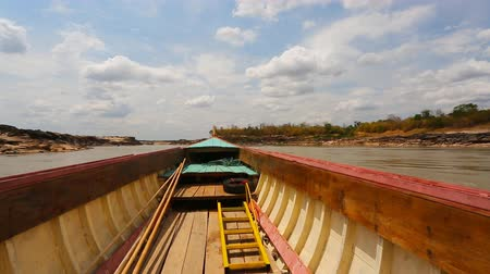 binário : Big boat for transport on Maekhong river Stock Footage