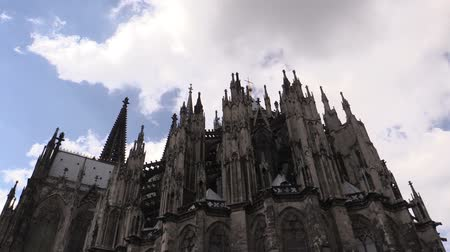 готический : Cologne Cathedral against sky in Cologne, Germany