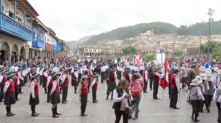 gururlu : Children in Cusco for the Policia Escolar annual ceremony
