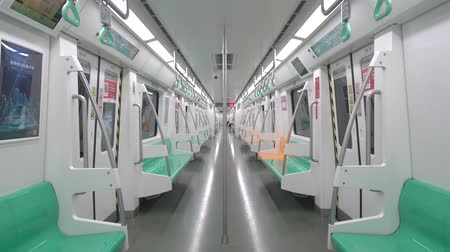 ondergronds : Xian City, February 24, 2020: Interior of Xian City subway train, wide angle view 4K Stockvideo
