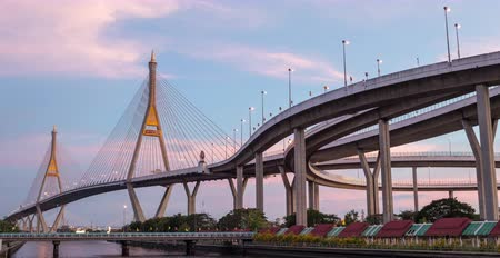 подвесной : Bhumibol bridge is industrial ring road bridge in Thailand, time lapse day to night