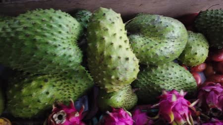 発見 : Variety of exotic tropical fruit can be found at Kundasang, Sabah, Malaysia