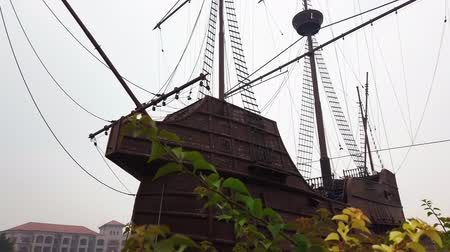 реплика : MALACCA, MALAYSIA - 15 SEPTEMBER 2019: Replica of Flor de la Mar SHip is main exhibits at Maritime Museum Malacca
