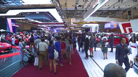 separè : JAKARTA, Indonesia - July 23, 2019: Crowded visitors in GAIKINDO Indonesia International Auto Show (GIIAS) 2019 at Indonesia Convention Exhibition (ICE) Filmati Stock