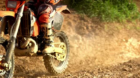 motocykl : Morocross Through Mud - Super Slow Motion Wideo