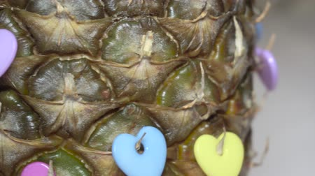 ananás : Fresh pineapple decorated with hearts Vídeos