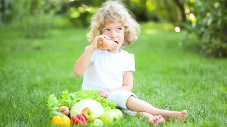 healthy eating : Child eating Stock Footage