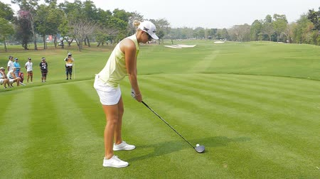 postura : Anna Nordqvist of Sweden tee off on hole 18 in Honda LPGA Thailand 2018 at Siam Country Club, Old Course on February 24, 2018 in Pattaya Chonburi, Thailand.