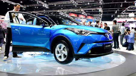 двухместная карета : NONTHABURI - NOVEMBER 29 : Toyota C-HR Modellista car on display at Thailand International Motor Expo 2017 on November 29, 2017 in Nonthaburi, Thailand.