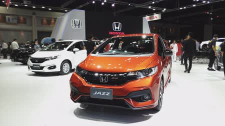 двухместная карета : NONTHABURI - NOVEMBER 28: Honda Jazz car on display at The 35th Thailand International Motor Expo on November 28, 2018 in Nonthaburi, Thailand.
