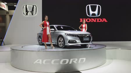 двухместная карета : NONTHABURI - NOVEMBER 28: Honda Accord Hybrid car on display at The 35th Thailand International Motor Expo on November 28, 2018 in Nonthaburi, Thailand.