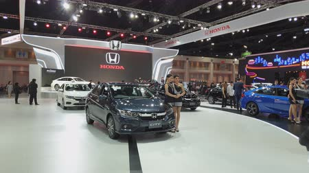 super car : NONTHABURI - MARCH 26: Honda City car on display at The 40th Bangkok International Thailand Motor Show 2019 on March 26, 2019 Nonthaburi, Thailand. Stock Footage