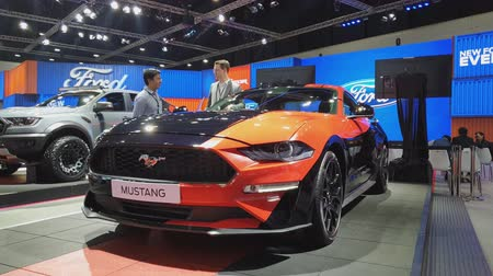 двухместная карета : NONTHABURI - MARCH 26: Ford Mustang car on display at The 40th Bangkok International Thailand Motor Show 2019 on March 26, 2019 Nonthaburi, Thailand.