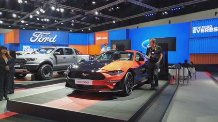 クーペ : NONTHABURI - MARCH 26: Ford Mustang car on display at The 40th Bangkok International Thailand Motor Show 2019 on March 26, 2019 Nonthaburi, Thailand.