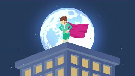 plášť : Superhero in moonlight city. Standing over skyscraper. Business woman symbol. Leadership and Challenge concept. Comic loop animation.