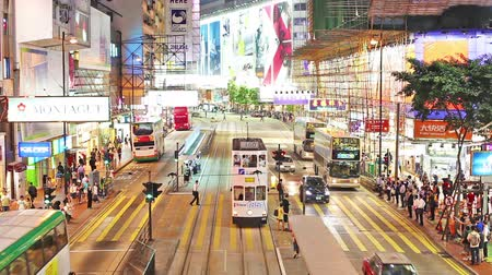 vie : Timelapse video di un steet occupato e pendolari in Causeway Bay Filmati Stock