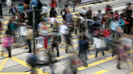 cruzamento : Timelapse video of a busy crosswalk Stock Footage