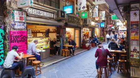 ausztrál : 4k timelapse video of people visiting Centre Place in Melbourne, Australia.