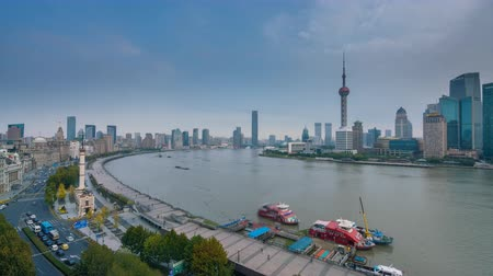 attractie : Shanghai, China - 15 november 2017: 4k timelapse video van Shanghai bij zonsopgang Stockvideo