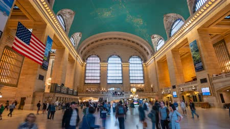 américa central : New York, USA - May 10, 2018: 4k hyperlapse video of commuters at Grand Central Station in New York