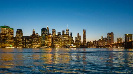nuovo : Video hyperlapse sullo skyline di Manhattan e sul Ponte di Brooklyn