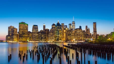 4k timelapse video of Manhattan skyline from day to night Wideo