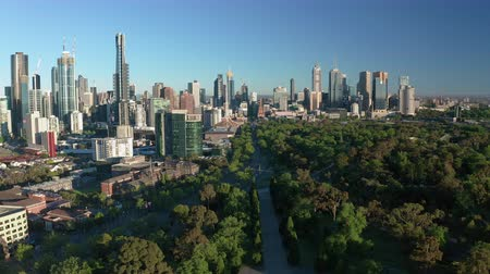 Melbourne, Australia - 1 dic 2018: video aereo di Melbourne CBD all'alba Filmati Stock