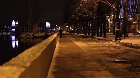 святой : St. Petersburg, Embankment at night