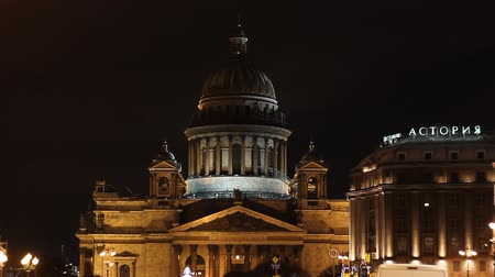 mês : St. Petersburg, The Astoria Hotel and St. Isaacs Cathedral