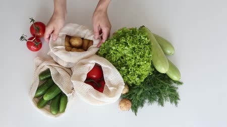 húr : set of vegetables eco string bag hands