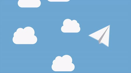 бумага : Paper airplanes flying over a sky with clouds, Video animation, HD 1080 Стоковые видеозаписи