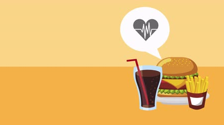 médio : heart cardio with unhealthy food ,4k video animation Stock Footage