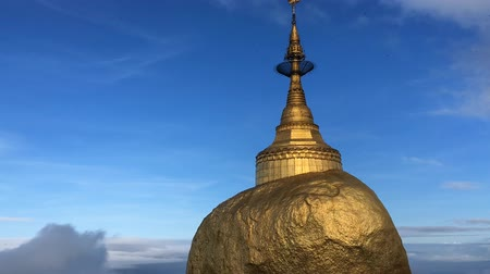 TIMELAPSE - Kyaiktiyo-pagode, Golden Rock, Myanmar Stockvideo