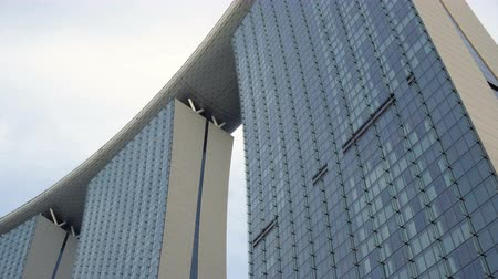 Looking Up Marina Bay Sands Hotel From Ground Level in Singapore Dostupné videozáznamy