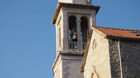 церковь : church bell ringing in Budva old city