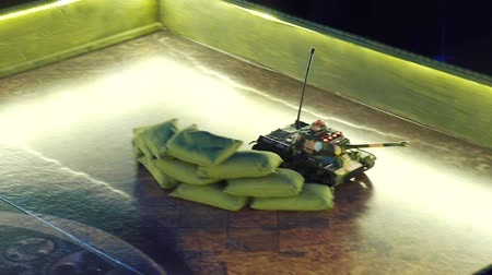 harcias : remote control toy tank moving on play board