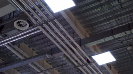 çinko : hvac system ventilation pipes on ceiling of big industrial building