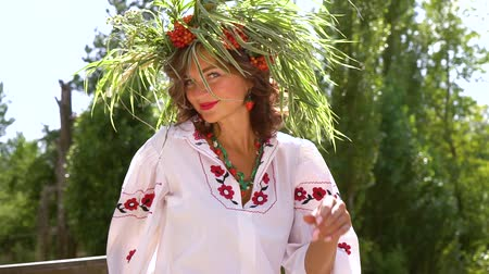 пьедестал : Woman in slavic costume in countryside