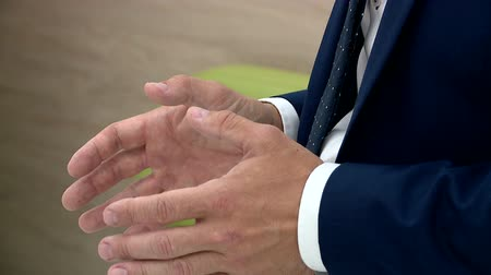 protrude : Hand man during the interview