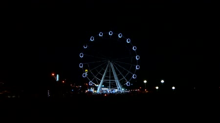 cômico : Ferris wheel at night Stock Footage
