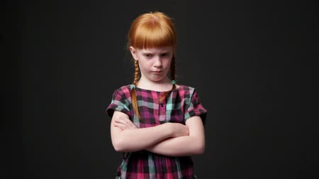 vöröshajú : Sad ginger girl, she is looking displeased and offended