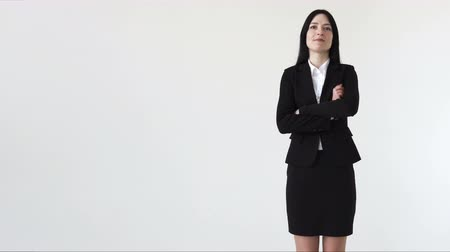 бухгалтер : Successful business woman crossed her arms, white background