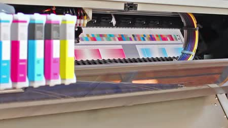 формат : HD: Wide Format Printer Plotter, Printing Test Chart with color patches for color management profile creation. Стоковые видеозаписи