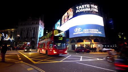 lapse : Timelapse view of the Piccadilly Circus at rush hour in London, United Kingdom