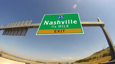 baixo ângulo : 4K Driving on Highwayinterstate,  Exit sign of the City Of Nashville, Tennessee Vídeos