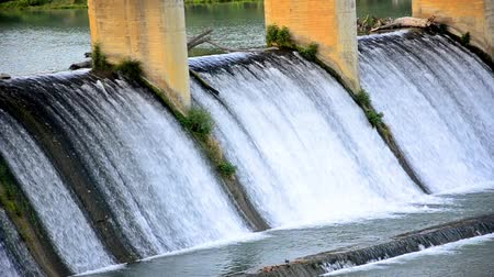 baraj : Spring flood water flowing on hydroelectric power station dam, PANNING SHOOT