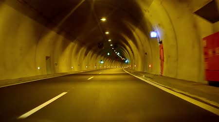 podzemní : Sport car fast drive in tunnel at night
