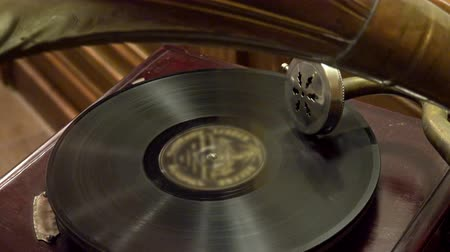 gravar : old retro gramophone. Vintage turntable big needle, vinyl