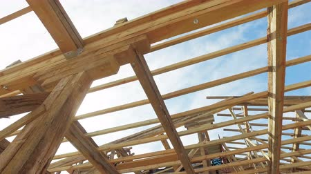 post and beam construction : New house post and beam construction Stock Footage