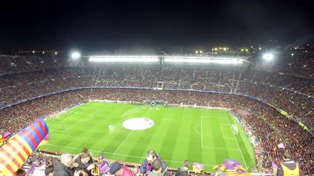 jogador de futebol : A general view of the Camp Nou Stadium in the football match between Futbol Club Barcelona and PSG